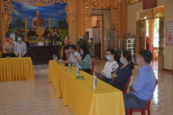 Ban Dân vận tỉnh ủy thăm và chúc mừng Phật đản PL.2565 đến BTS GHPGVN thành phố Bà Rịa